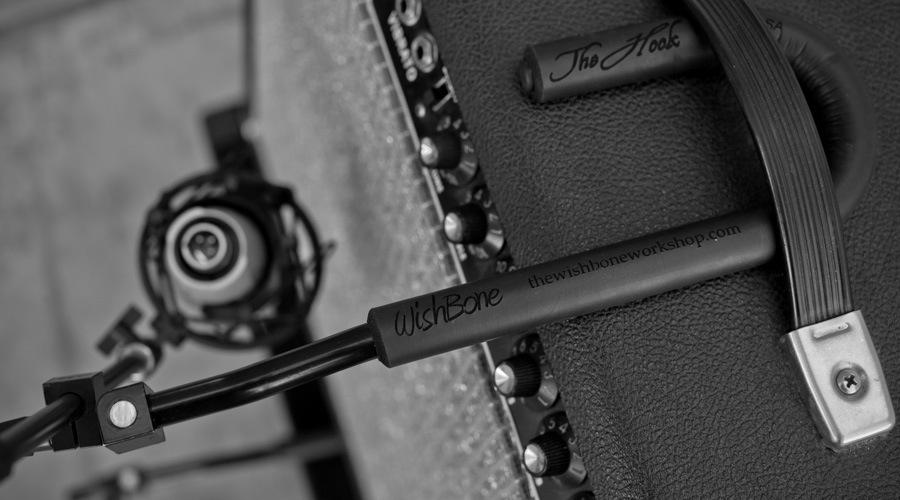 Amp Hook 02