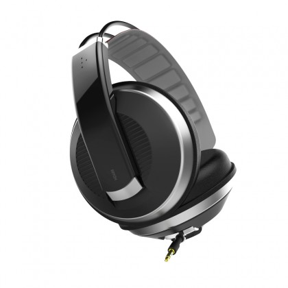 Superlux HD668 headphones